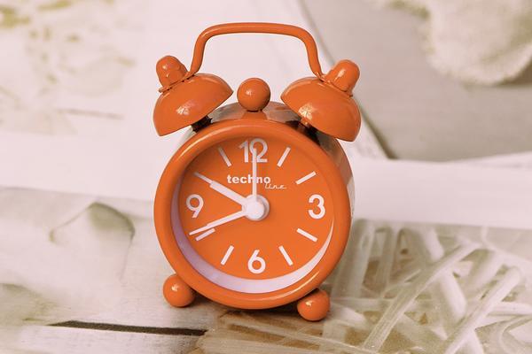 alarm clock 3615827